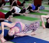 Yoga không phải trò đùa, coi chừng chấn thương do tập yoga sai cách