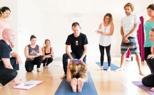 50 lời khuyên dành cho những giáo viên dạy yoga mới vào nghề!