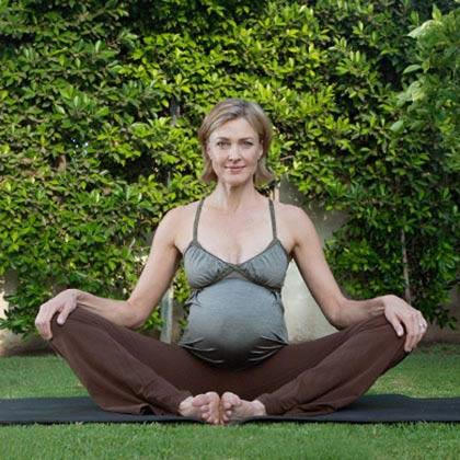 tập yoga cho bà bầu