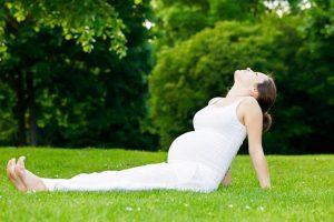 Bài tập yoga cho bà bầu giai đoạn 3 tháng đầu tiên