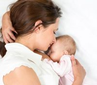 Trị đau lưng sau sinh với 3 phương pháp cực đơn giản