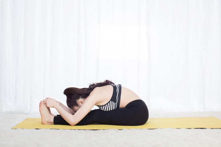 động tác yoga khó