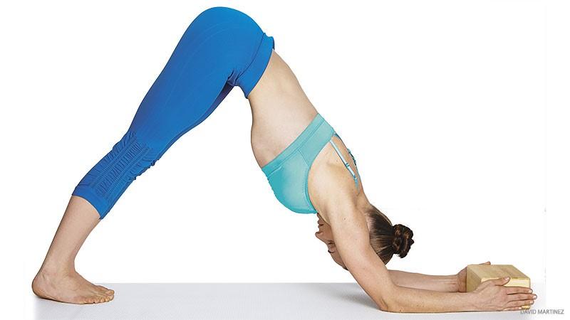 Cá heo là động tác yoga cho người ngồi nhiều