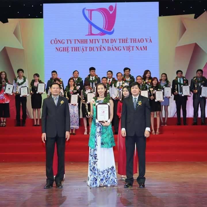 đào tạo thể dục thẩm mỹ Duyên Dáng Việt
