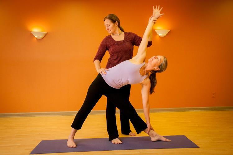Như thế nào là một huấn luyện viên yoga đúng nghĩa