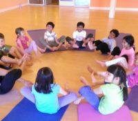 Yoga rất tốt cho trẻ em với điều kiện phải chú ý một số điều quan trọng