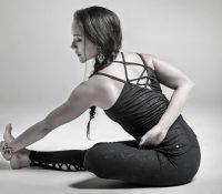 Nghệ thuậ dạy Yoga là vô tận, nếu đủ đam mê, bạn hãy khám phá!