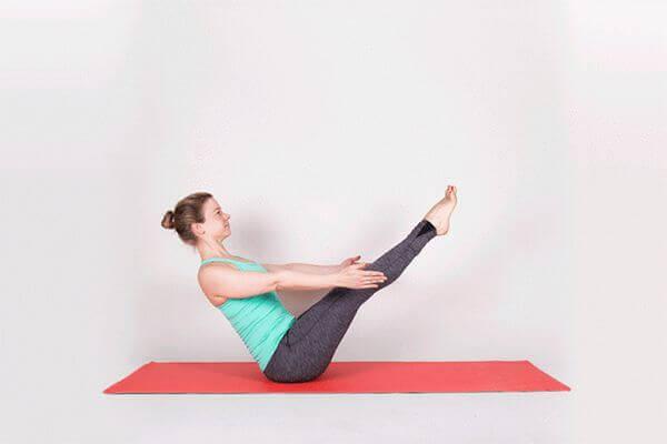 9 động tác Yoga giảm cân huyền thoại dành cho các chị em