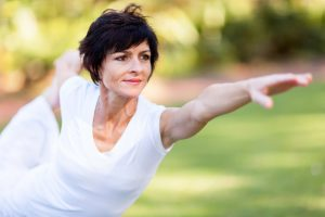 Yoga cho phụ nữ tuổi trung niên những lợi ích không thể thiếu