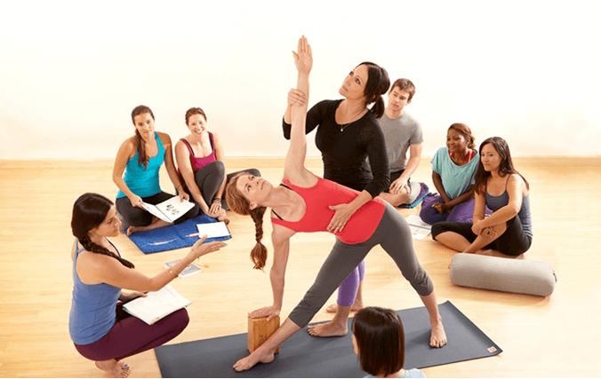 nghề HLV yoga cứ học ra là sẽ có việc làm