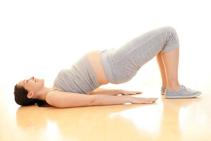 tập yoga khi mang thai