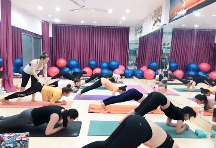 Khai giảng khóa học HLV yoga K39