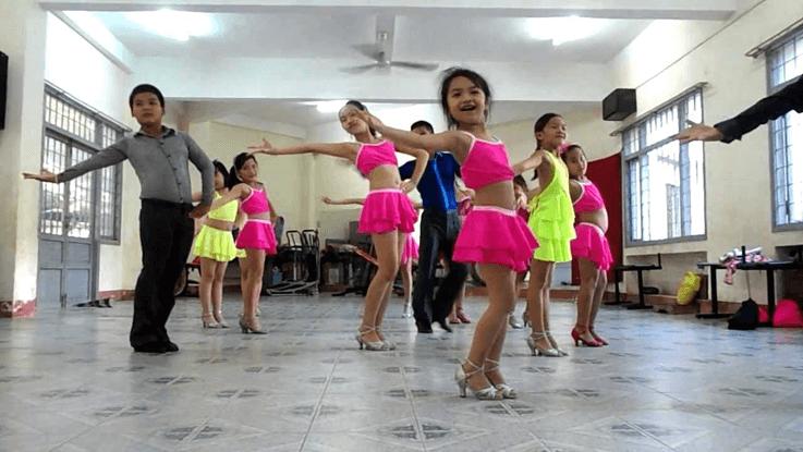 dance sport cho trẻ nhỏ phát triển toàn diện