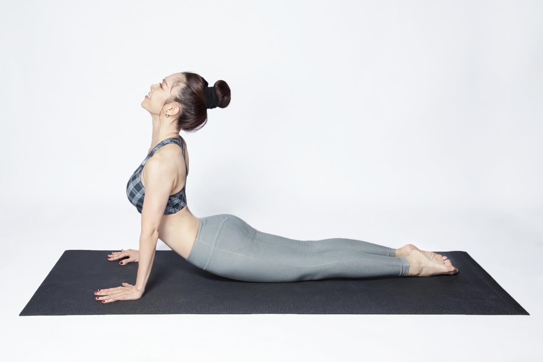 5 động tác yoga trị hoàn toàn mất ngủ