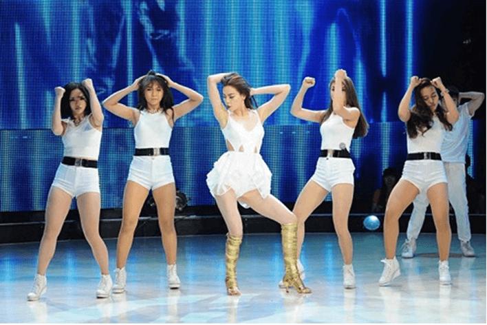 Sexy dance cuốn hút mọi ánh nhìn