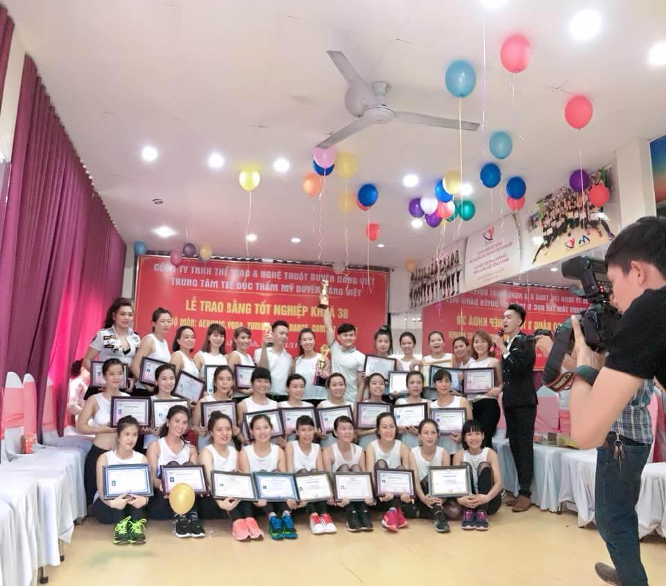 lễ tốt nghiệp khóa HLV TDTM duyên dáng việt