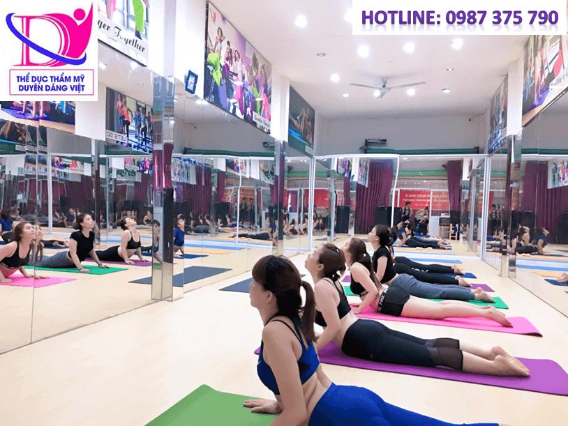 lớp HLV yoga Duyên Dáng Việt K40