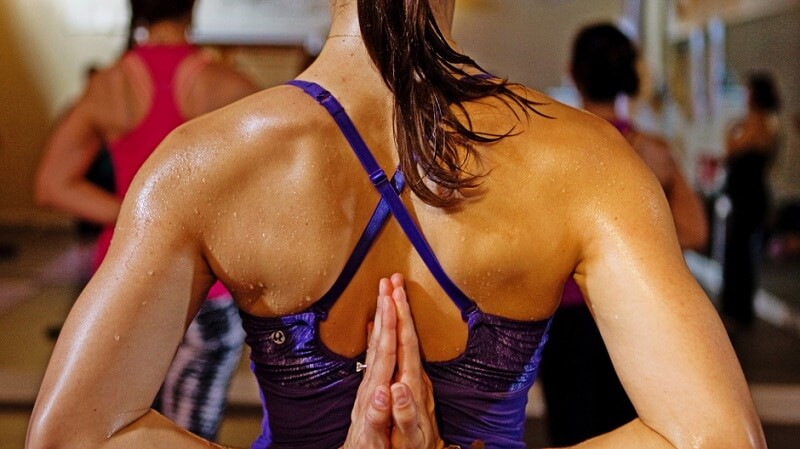 Thiêu đốt mỡ thừa cùng hot yoga