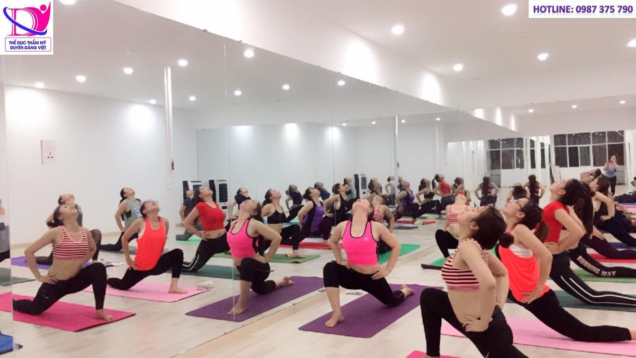Yoga giẩm cân đang là một trong những bộ môn được ưa chuộng