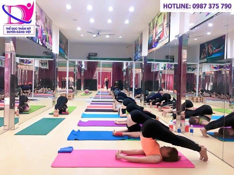 Hatha yoga phù hợp với mọi đối tượng