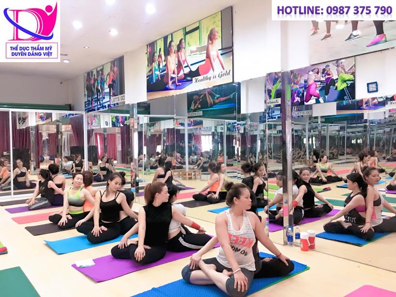 Hatha yoga giúp cân bằng cơ thể