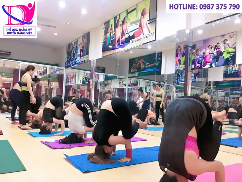 Chứa dứt điểm bệnh xương khớp , cột sống lưng với Yoga phục hồi