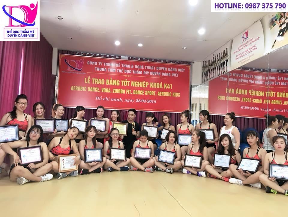 Duyên Dáng Việt tổng kết trao bằng K41