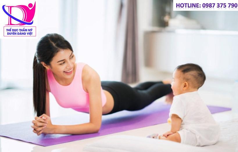 Tập yoga giảm cân sau sinh