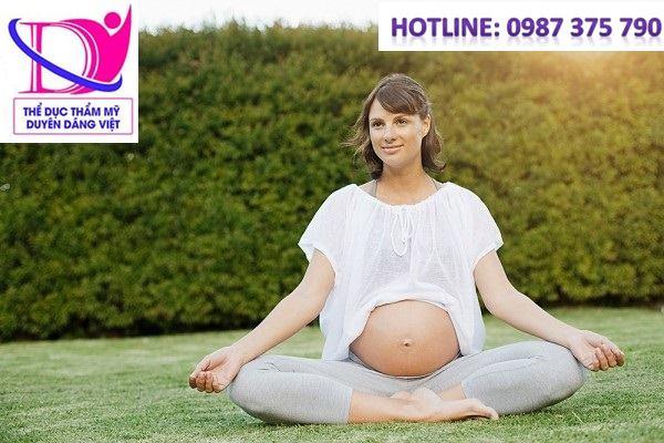 Tập yoga giảm cân sau sinh hiệu quả