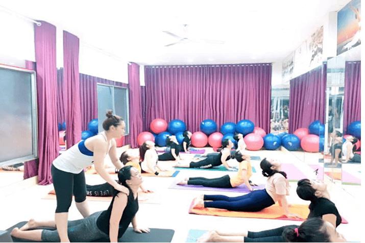 đào tạo huấn luyện viên Yoga