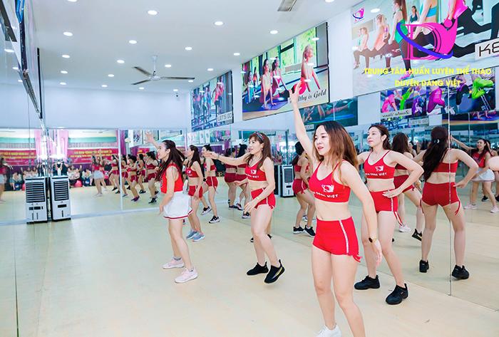 Lớp đào tạo HLV zumba tại trung tâm thể dục thẩm mỹ Duyên Dáng Việt