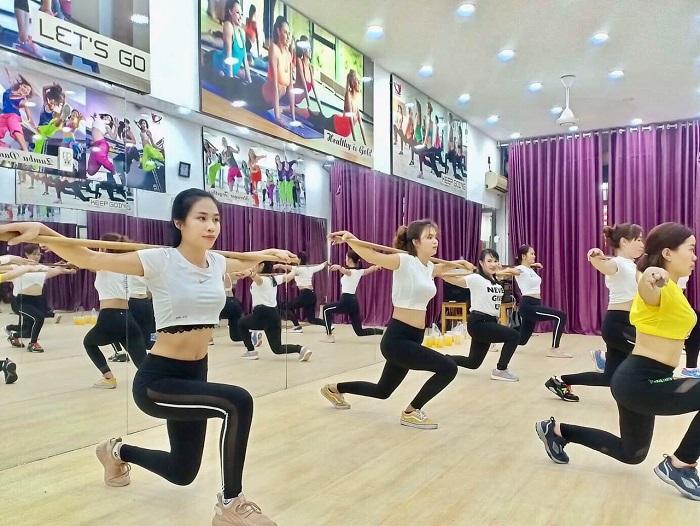 huấn luyện viên khiêu vũ
