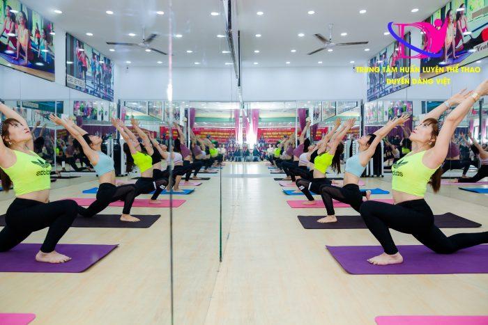 hoc huan luyen vien yoga