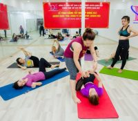 Học nghề HLV Yoga có cần phải biết tập lâu năm?