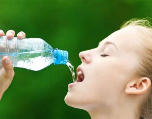 Không phải ai cũng biết uống nước đúng cách