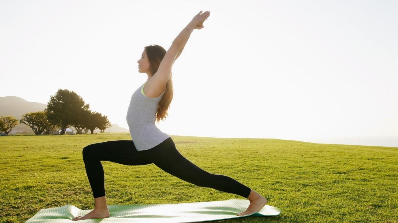 Hãy tập yoga để hết đau lưng sau sinh