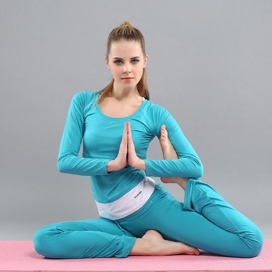 hiệu quả làm đẹp da và trị mụn của yoga