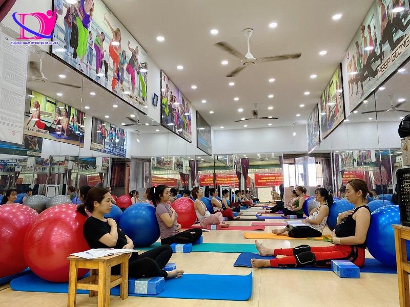Duyên Dáng Việt chuyên đào tạo HLV yoga bầu uy tín tại TPHCM